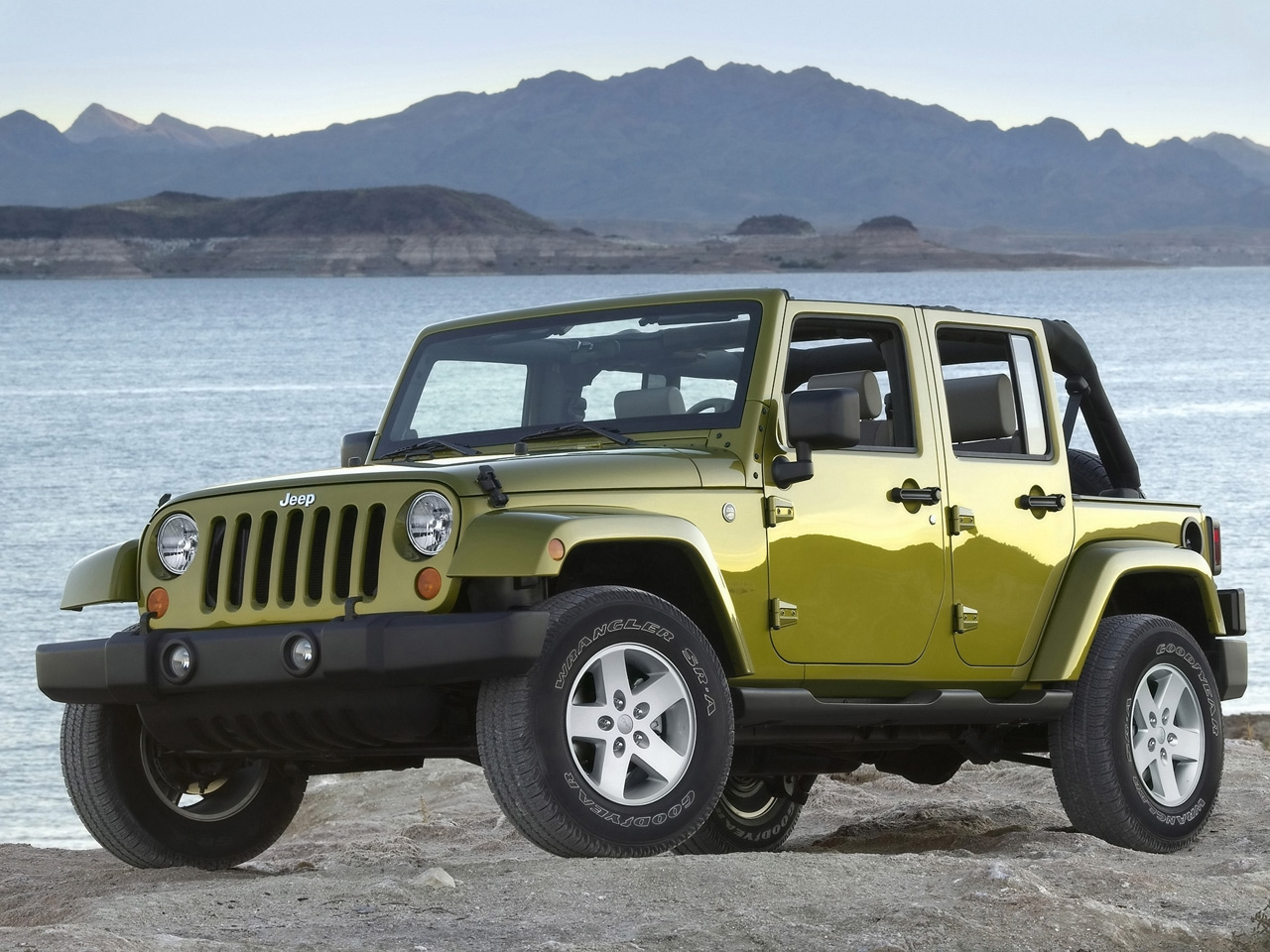 2007 Jeep¨ Wrangler Unlimited. JP007_055WR