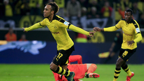 Borussia Dortmund's Pierre Emerick Aubameyang celebrates a goal with fellow team mate Adrian Ramos Vasquez (R) during their Bundesliga first division soccer match against FC Augsburg in Dortmund, Germany, October 25, 2015. REUTERS/Ina Fassbender   DFL RULES TO LIMIT THE ONLINE USAGE DURING MATCH TIME TO 15 PICTURES PER GAME. IMAGE SEQUENCES TO SIMULATE VIDEO IS NOT ALLOWED AT ANY TIME. FOR FURTHER QUERIES PLEASE CONTACT DFL DIRECTLY AT + 49 69 650050